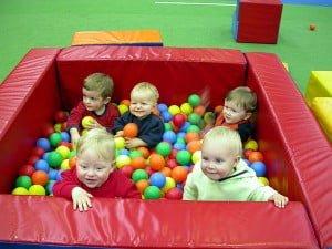 Babies-group-at-ballplay