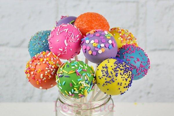 rainbow-sprinkles-cake-pops