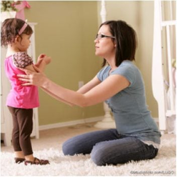 istock_lugo-3-mother-talking-with-toddler-girl-c1_opt