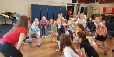 singing-dancing-kids-holiday-program-4