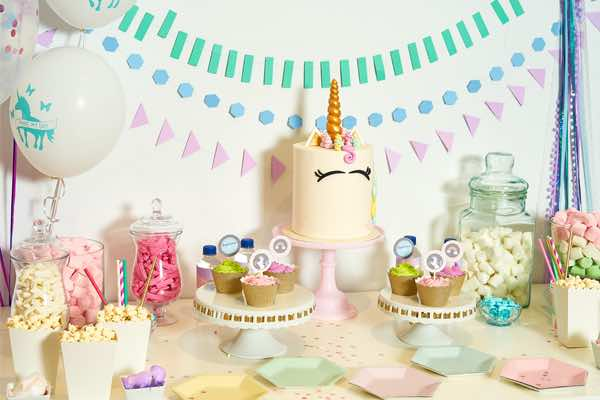 resized_600x400bee-box-parties-unicorn-party-set-up