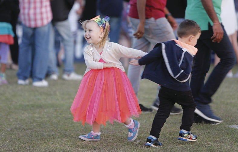 dancing-kids-small