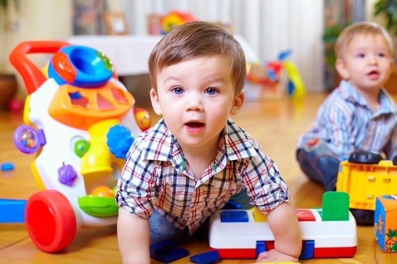 Little-boy-crawling-2-1