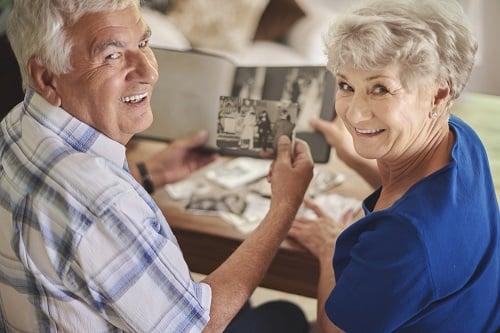 couple-with-photo-album-resized