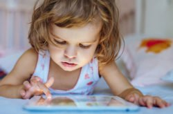 How to deal with technology addiction in early childhood