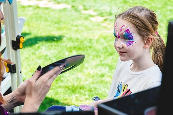 Face painting butterfly girl