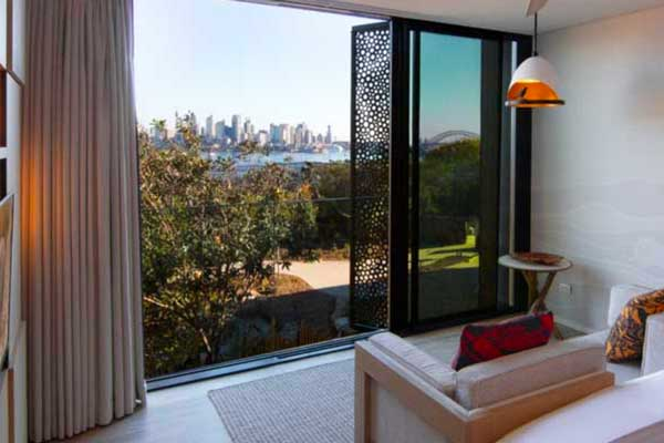 Harbour View Room at Wildlife Retreat Taronga
