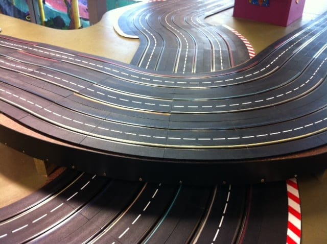 Website-Slot-Car-Criss-Cross-Track-Photo