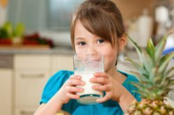 Full cream or low-fat milk for children?