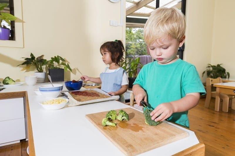 93793_Toddler-Cooking