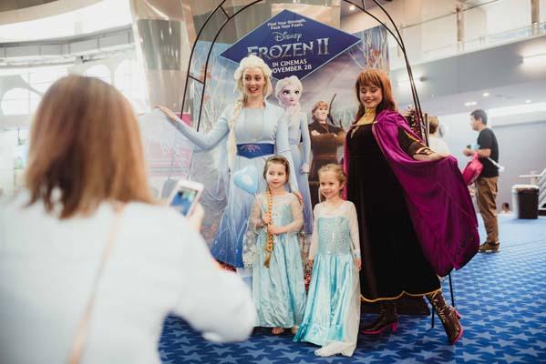 Elsa and Anna Frozen 2