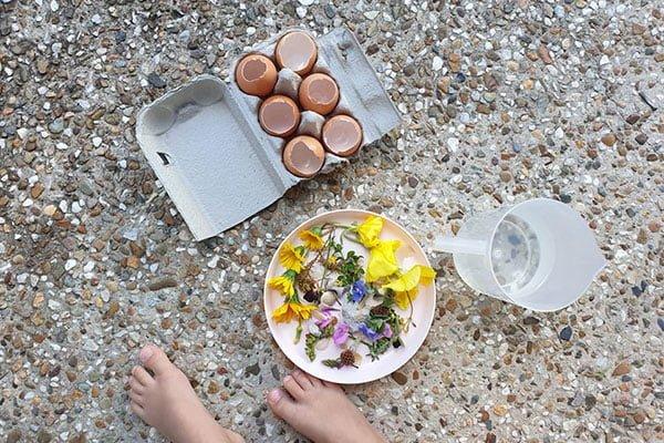 eggs outdoor play ideas