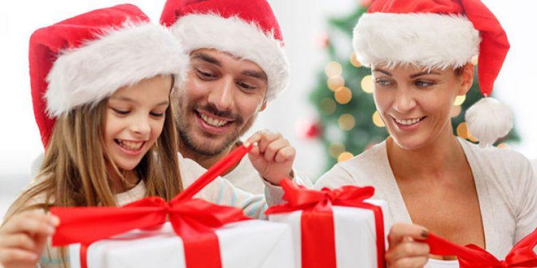 christmas-gift-guide-2017_featurekids