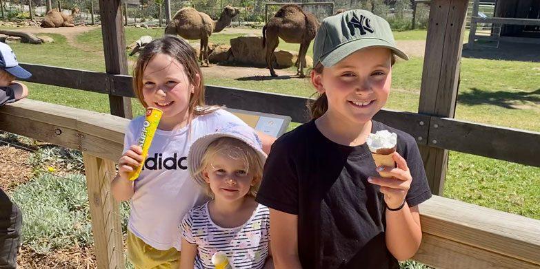 Sydney-Zoo-camels-kids